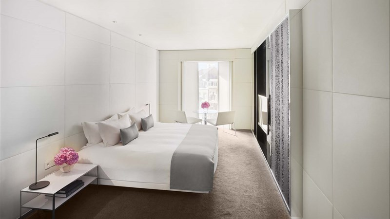 Guestrooms suites me london hotel - London hotel suites with 2 bedrooms ...